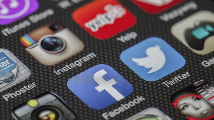 Caractéristiques de la traduction des réseaux sociaux